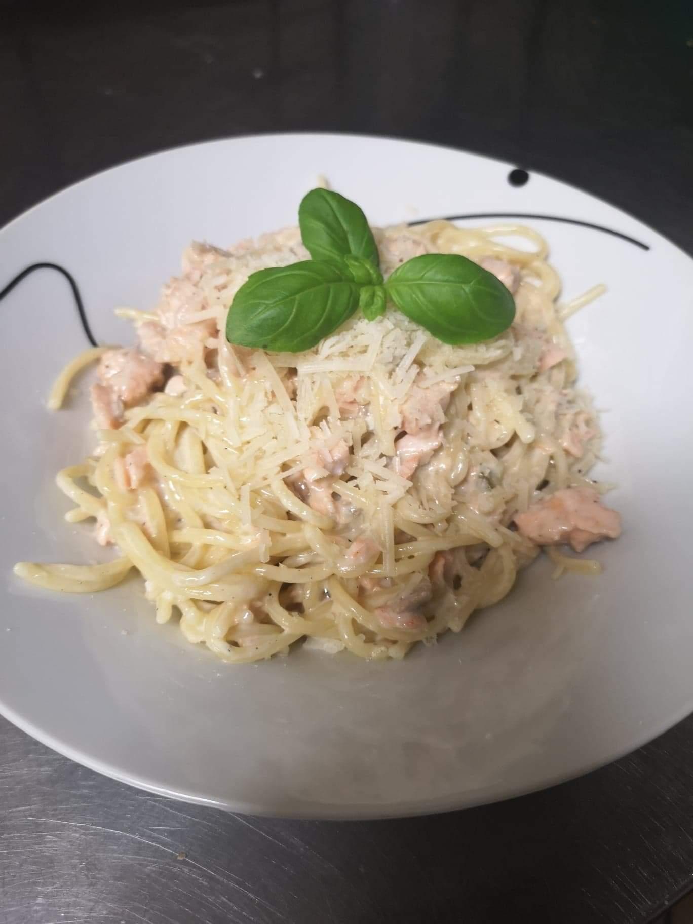 Spaghetii Salmone